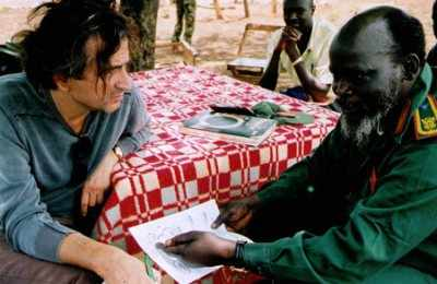 bhl_with_john_garang_in_sudan400